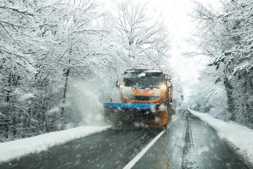 Wo findet man ein gebrauchtes Schneepflugschild? Bei Mascus