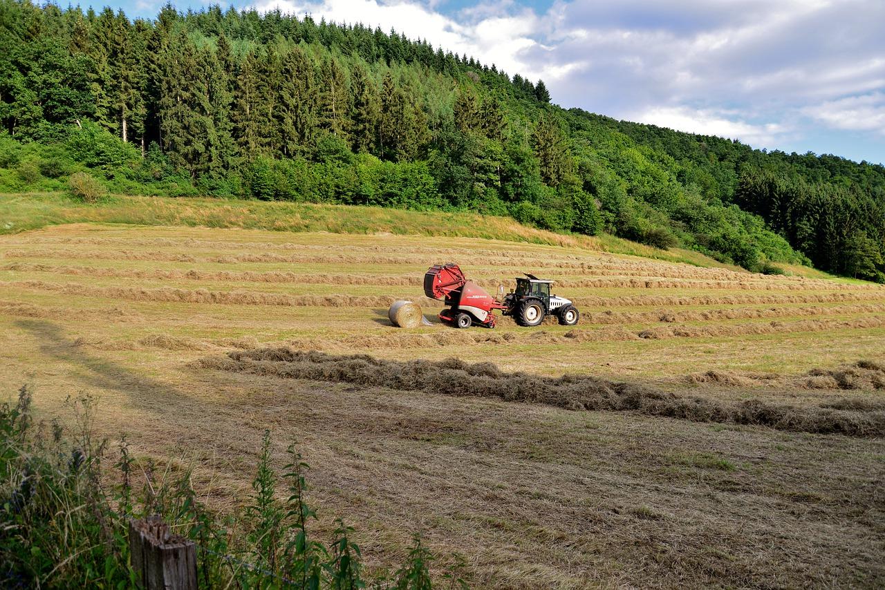 Heuballenpressen in der Landwirtschaft - nützliche Infos